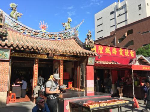 世界一周 ブログ 台湾で食い倒れ旅!中山駅周辺と迪化街散策、寧夏夜市も!